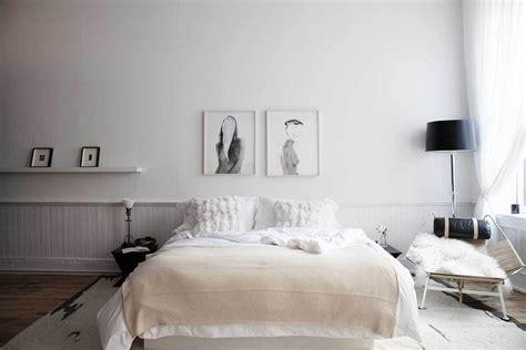 scandinavian bedroom design dominant  white color