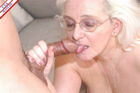 Old Playgirl Takes Tiny Knob In Her Mouth