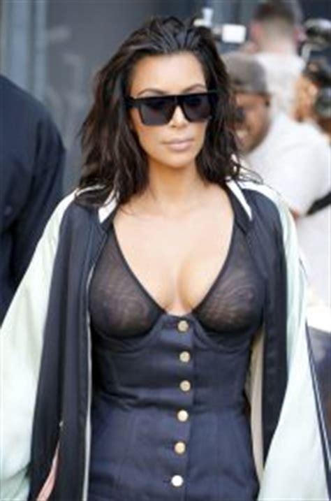 foto de kim kardashian see through bra in new york 17 celebrity