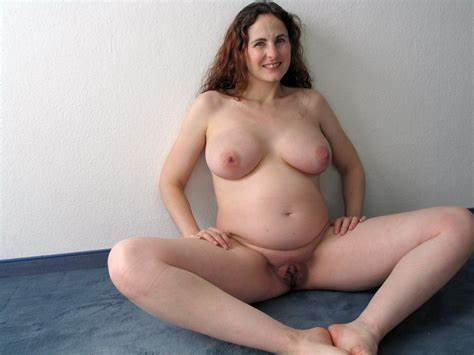 Amature Giant Tits Mom