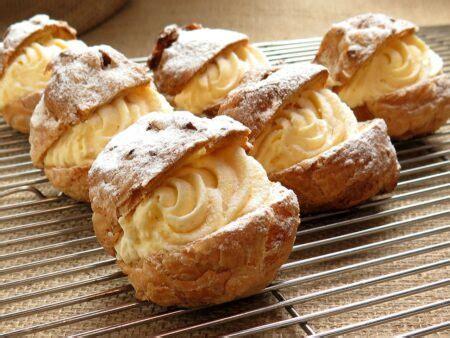 Berbeda dengan jasuke untuk remaja, biasanya ada pilihan topping manis atau pedas. 5 Resep Jajanan Sederhana, yang Cocok untuk Jualan - Aroma Rasa