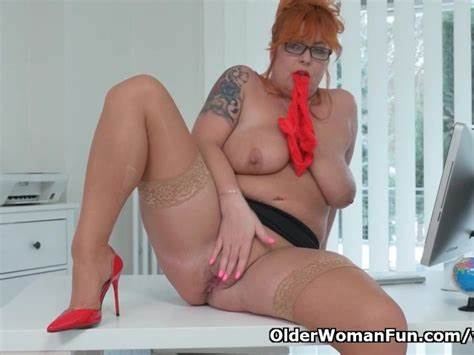 Euro Mature Pussy Gently