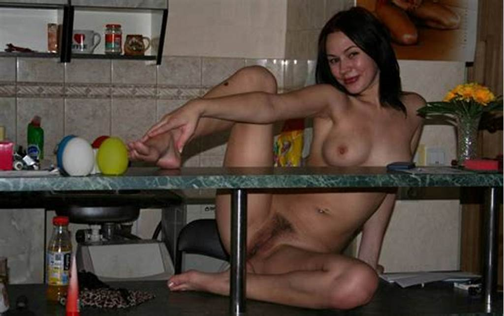 #Beautiful #Amateur #Brunette #Posing #Naked #In #Kitchen