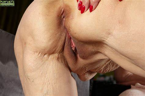 Blonde Grandma Linda Shaved Asshole Close Ups