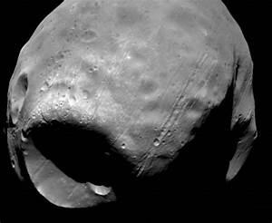 Phobos and Deimos, Mars moons