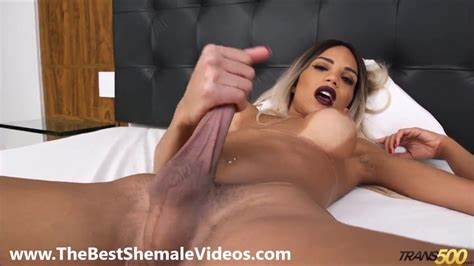 Huge Titty Large Bals Masturbation Shemale