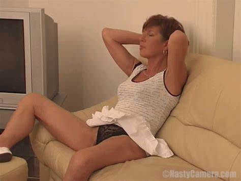Foxy Cougar Milf With Small Breast