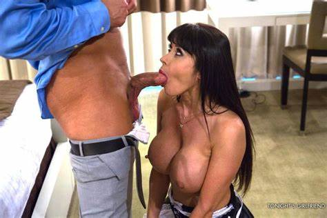Breasty Eva Karera Shows Off Her Deepthroats And Plays With