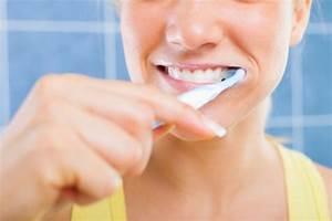 Dents Qui Se Déchaussent Photos : se brosser les dents c est bon aussi pour le c ur top sant ~ Medecine-chirurgie-esthetiques.com Avis de Voitures