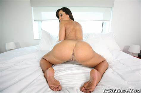Livegonzo Lisa Ann Teen Fucking Booty Drilled
