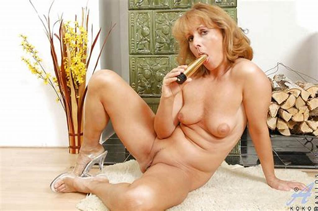 #Foxy #Mature #Lady #With #Tiny #Tits #Shows #Off #Her #Old #Hairy