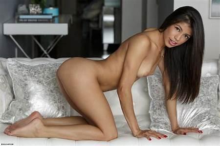 Latinas Nude Photos Teen Free