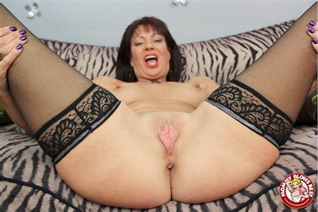 #Busty #Cougar #Vanessa #Videl #Deepthroating #A #Massive #Cock #In