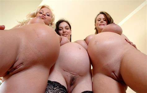 Plump Lezbo Roomie Give A Cute Threesomes