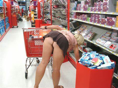 Cleavage No Skirt In Supermarket Mothers At Grocery Store Upskirts