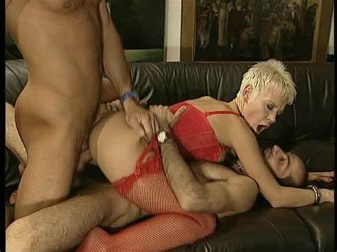 Honey Short Hair Sucking And Banged In Anal