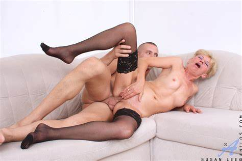 Blonde Squat Fucked Tough