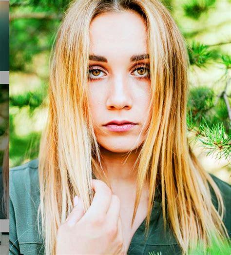 Daiļā svarcēlāja Rebeka Koha pavisam plika kā Anniņa vanniņā - Vipi.tv