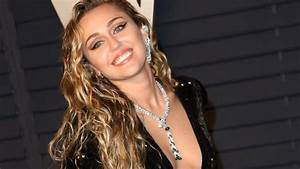 Miley Cyrus Takes To Instagram To Wish Her Godmother Dolly ...