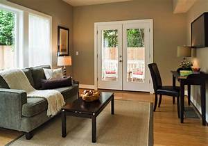 Small living rooms make them large for Living room paint for small spaces