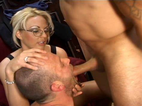 Shemale In Nylon Fucks Sucked Off And Drills Her Man