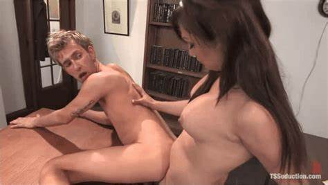 Shemale Dominates Submissive Men Shemale Submission