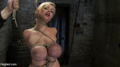 Four Passionate Slave Babes Having Deepthroats Pounded