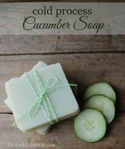 Wie Macht Man Seife : cucumber borage soap recipe health beauty handgemachte seifen seifen rezepte und seife ~ Frokenaadalensverden.com Haus und Dekorationen