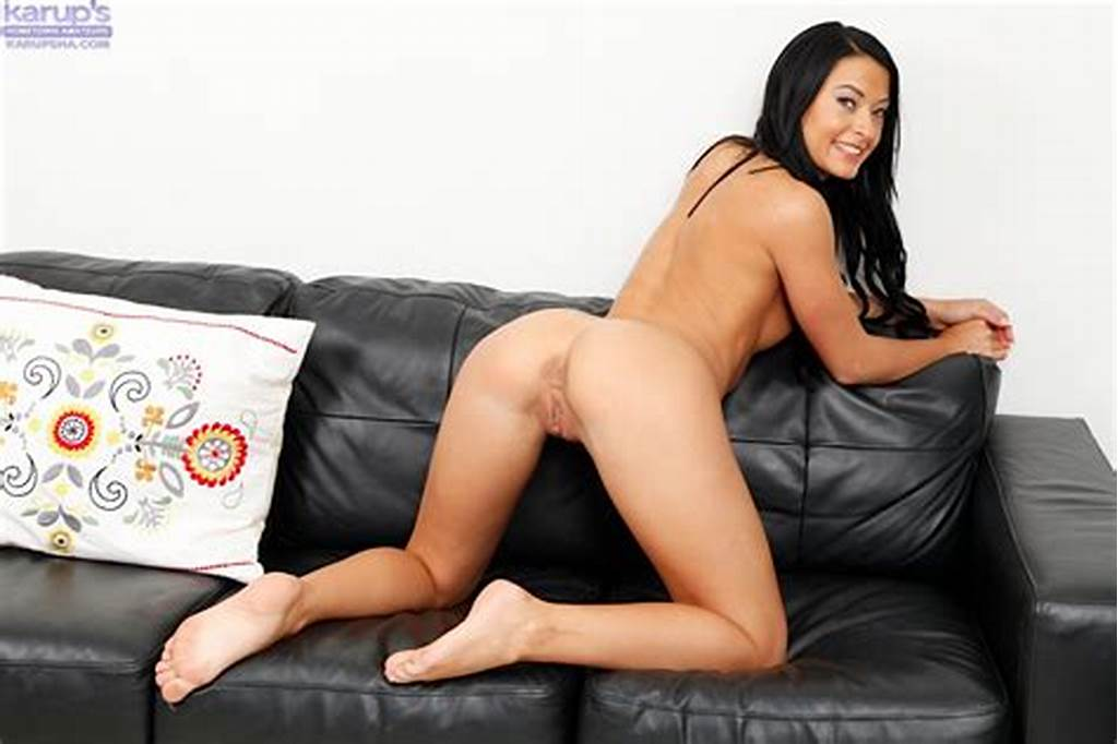 #Brunette #Girl #Kelly #Diamond #Is #Out #Of #The #Panty