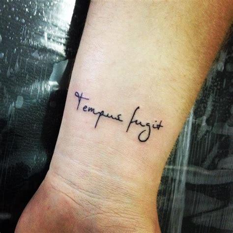 Sieviešu rokas tetovējumi - interesantas idejas (52 foto)