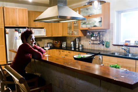 salope dans sa cuisine comment construire un bar dans sa cuisine