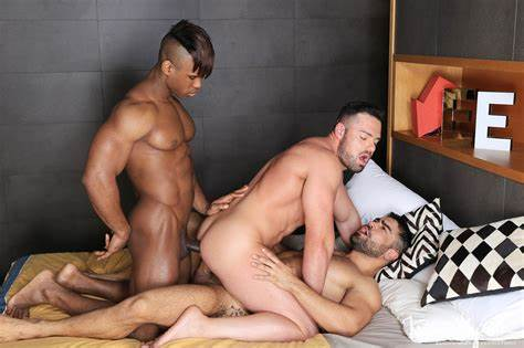 Interracial Raw Double Cunts Penetration