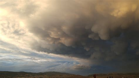 Mammatus clouds   Mammatus clouds, Clouds, Wild weather