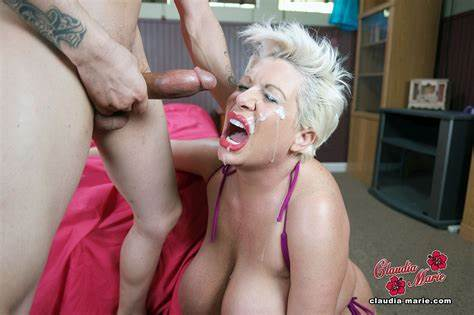 She Enjoys Poundings A Huge Penis Extreme Inside Her Mouth