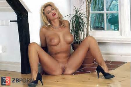Pics Teen Nude Debbie
