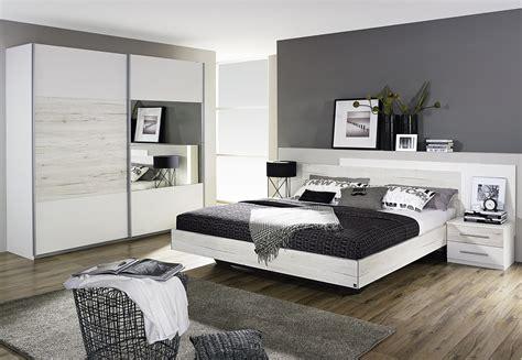 photo chambre adulte chambre adulte contemporaine chêne clair blanc galva