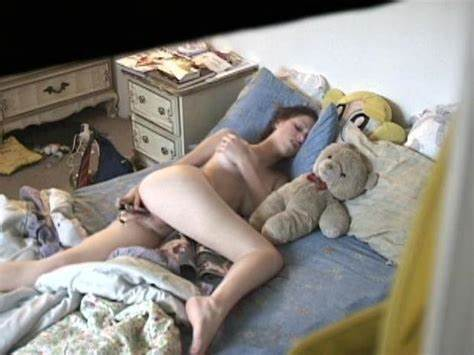 Hiddencam Girlfriends Deepthroats Her Toy