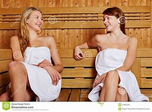 Nackt In Sauna : two women sitting in sauna royalty free stock image ~ Articles-book.com Haus und Dekorationen