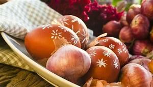 Eier Natürlich Färben : bild 2 ostereier f rben mit braunen zwiebelschalen ~ A.2002-acura-tl-radio.info Haus und Dekorationen
