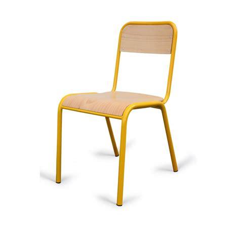 pied de chaise dans la chatte chaise d 39 écolier en bois et métal chaise d 39 école