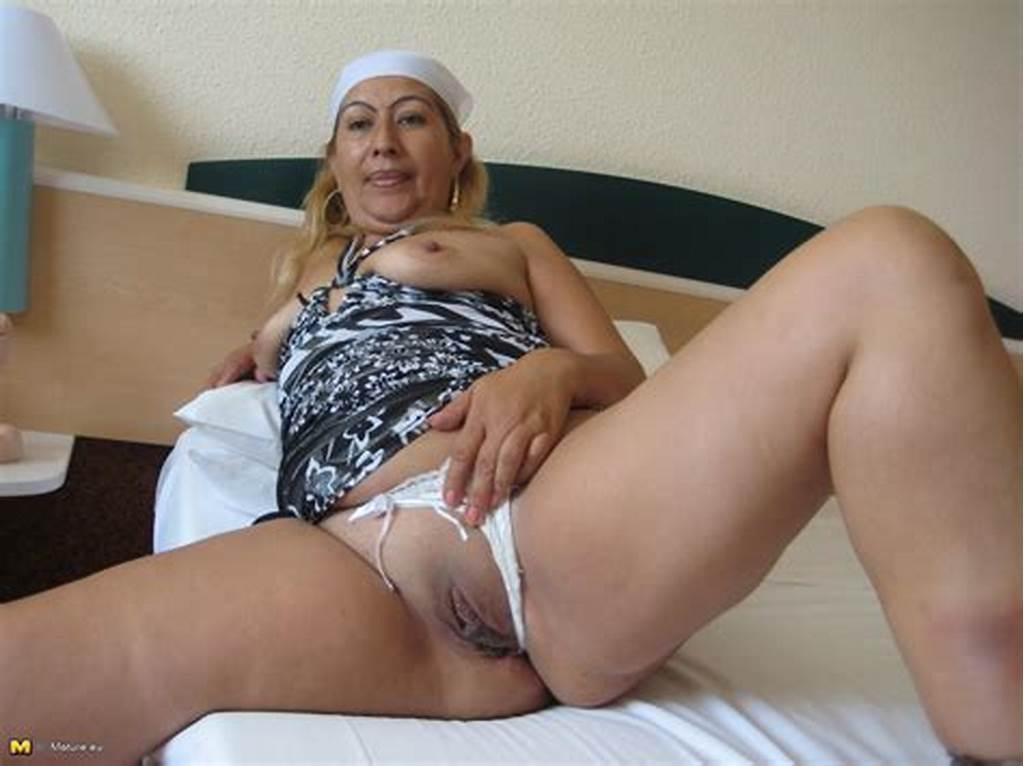 #Mature #Magnolia #Loves #Showing #Her #Body