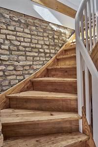 Holztreppe Renovieren Kosten : nach oben die ehemalige holztreppe des bauernhofes strahlt in neuem glanz holztreppe ~ Watch28wear.com Haus und Dekorationen