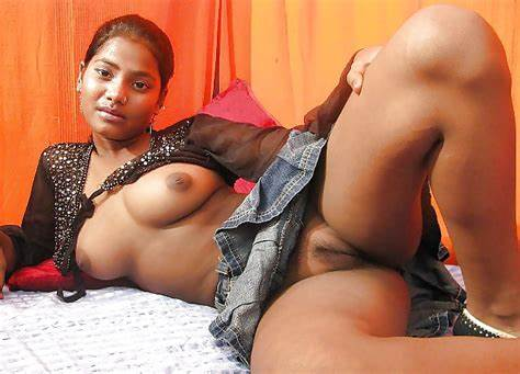 Indian Girls Plays With Her Chubby Pussy