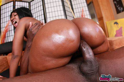 Curvy Freckles Miss Takes Large Ebony Dildo
