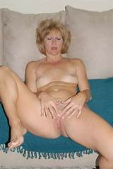 Mature blonde pussy pictures