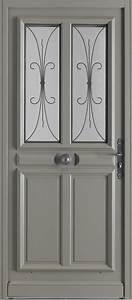 Portes d39entree bois beausset swao for Porte d entrée pvc en utilisant porte entree pvc couleur bois