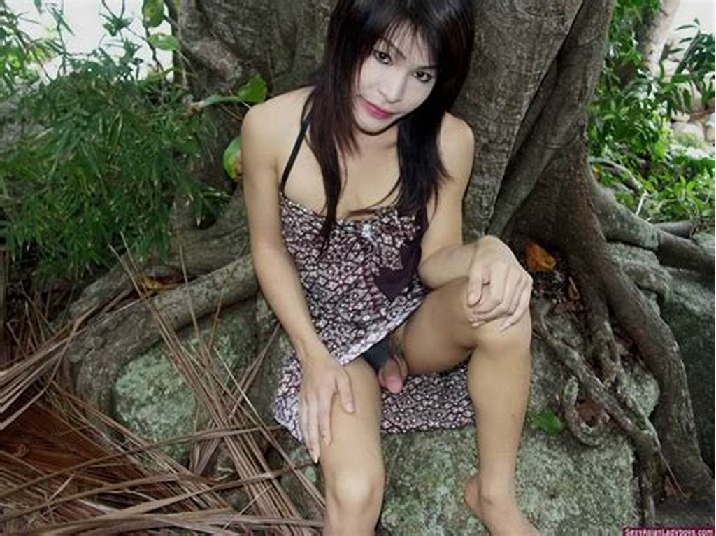 #Sexy #Asian #Ladyboy #Outdoor