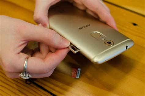 What is the difference between a sim card and an sd card? The Complete Guide to Using a MicroSD Card on Your Android Phone | Digital Trends