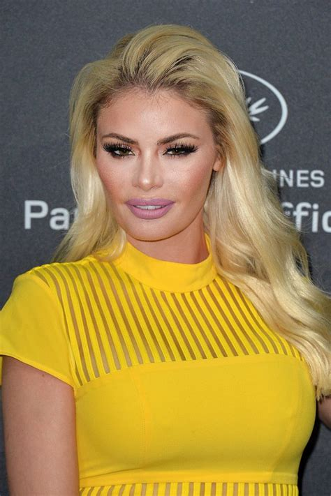 Chloe sim on the set of the only way is essex 03/03/2021. Watch as Chloe Sims speaks about SINGLE relationship ...