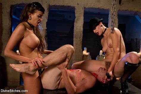 Pegging Lezbi Guy Bdsm Several Dominas Aiden Starr Bobbi And Nika Noire